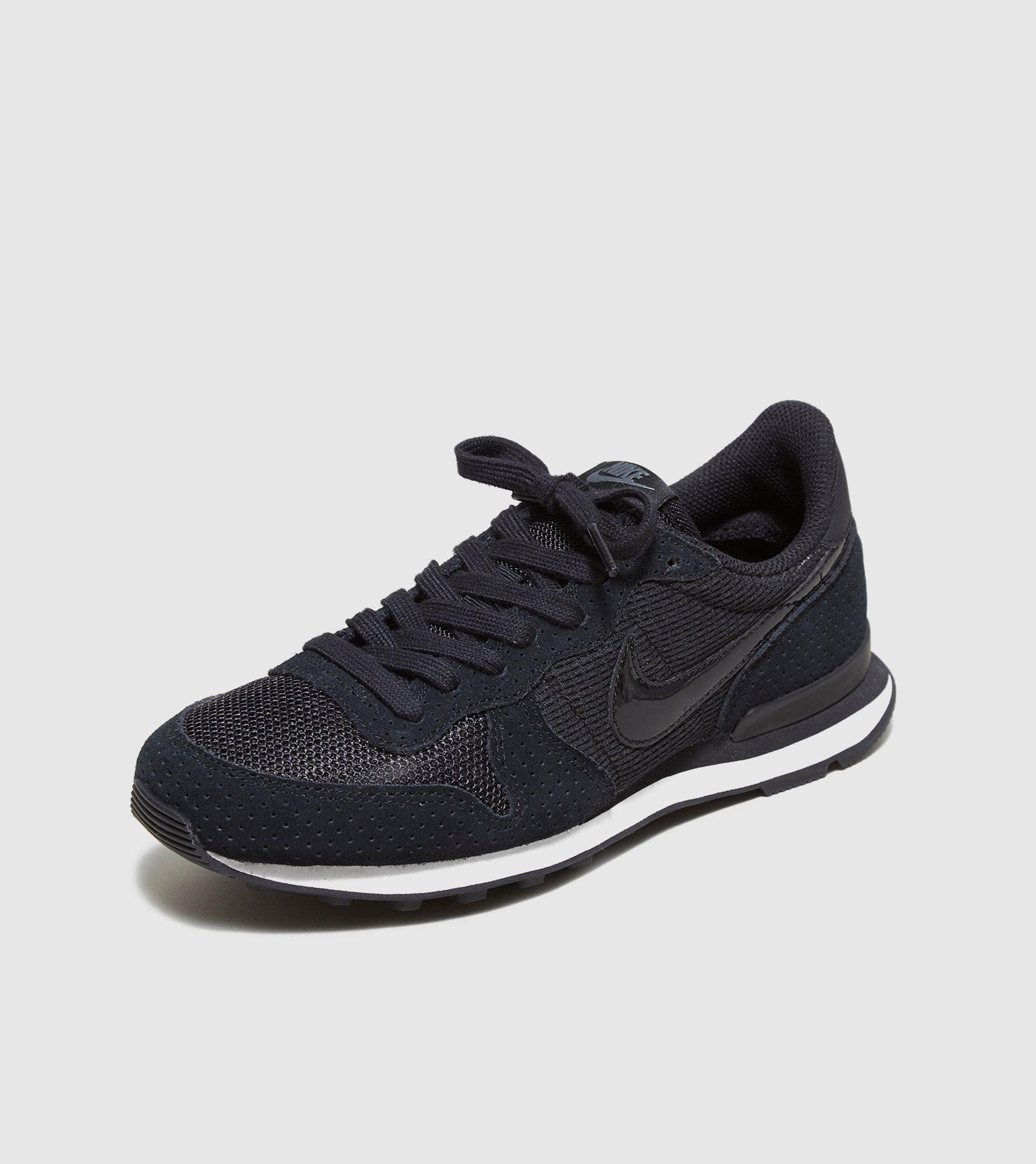 nike internationalist noire femme
